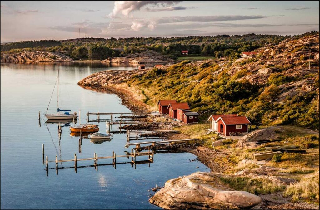 FLIGHTS, ACCOMMODATION AND MOVEMENT IN SWEDEN